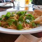 ナポリピッツァ TASUKU - アサリとフレッシュトマトの大葉風味スパゲティー