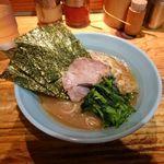 武蔵家 - 「武蔵家 大井町店」平成28年7月3日(日)再訪問 スープの量が少なくなったね。