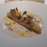 ランベリー ナオト キシモト - ボルドー産ホワイトアスパラガスのポシェ ノワゼットのヴィネグレット 柑橘のプードル サマートリュフ