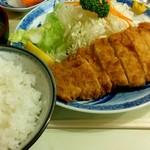 日本交通 - とんかつ定食