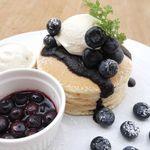 パンケーキママカフェ VoiVoi - 由木農場の摘みたてブルーベリーパンケーキ