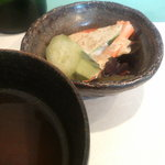 洋食 羽柴 - コンソメスープ・カニ入り海藻サラダ