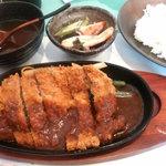 洋食 羽柴 - ビーフカツ定食880円