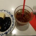 アンナミラーズ - チーズケーキのブルーベリーソースがけ