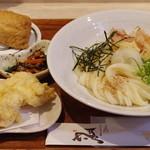 ひだりうま - 朝挽き鶏天ぶっかけ、京風いなり