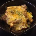 Dai - 牛肉とアズパラのラザニア風。1000円。 途中でタバスコ入れると、味変でより美味。