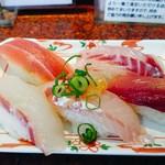 すし 銚子丸 - 料理写真:職人おまかせ鮮魚5カン   ¥580  (はまち、ほうぼう、たい、いさき、まぐろ)