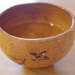 萬御菓子誂處 樫舎 - 水出し煎茶