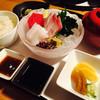 どまん中 - 料理写真:刺身定食