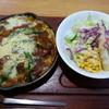 アルバ - 料理写真:グリーンアスパラとビーフの焼きカレー 810円