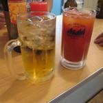 晩杯屋 - 緑茶割りと名物のトマト割り
