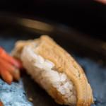 都寿司 - 穴子(あなご)の舎利(しやり)