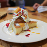 グランブルー - 料理写真:旬のフルーツのスポンジケーキ☆