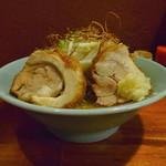 りらくしん - 醤油ラーメン小(太麺、普通味、ニンニク、野菜)