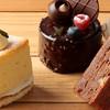 ナチュラルプレイス - 料理写真:パティシエ自信作のケーキが揃う