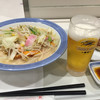 リンガーハット - 料理写真:チャンポン。餃子。グラスビール。