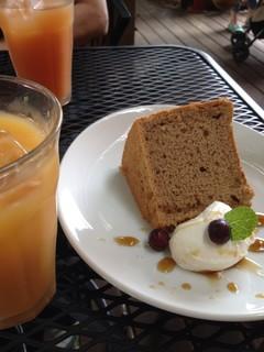 阿里山cafe - 16/7/8 シフォンケーキとミックスジュース