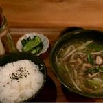 53362154 - 飛騨牛肉汁・白米・漬物付き:930円