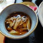 清水屋 - 肉汁うどん(つゆ)