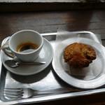 寺崎コーヒー - エスプレッソとバナナキャラメルマフィン