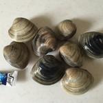 柿崎商店 海鮮工房 - 大きな二枚貝、500円です。