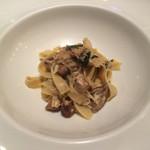 リストランテ テルツィーナ - 料理写真:毛蟹とポルチーニ茸のアーリオオーリオ