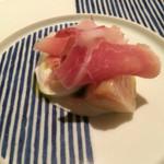 リストランテ テルツィーナ - 料理写真:水牛のモッツァレラと白桃、生ハム