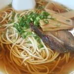 ラーメン ますみ - 料理写真:シンプルな中華そば、スープが澄んでいてきれいです。