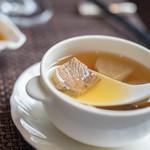 チャイナシャドー - 湯(しる)、牛肉(うしにく)