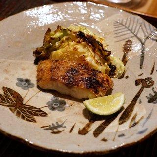 神楽坂 石かわ - 料理写真:のどぐろ塩焼き 朝採れのきゃべつ