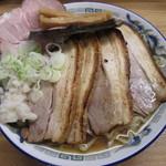 支那そば たまや錦 - マナサンチャーシュー1030円。
