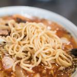 大勝軒next - 2016.7 麺は中太麺、大は麺量500g、並は麺量300g