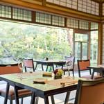 桜鶴苑 - 昼食席 イメージ 庭前