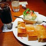 コーヒー ロード - ~モーニング~   バタートーストセット   (アイスコーヒー)   ¥550