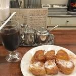 喫茶 岩田 - 料理写真:アイスコーヒー フレンチトースト