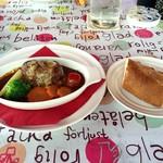 街のフレンチ洋食レストラン ふじゅう  - 私の和牛入り特製煮込みハンバーグ