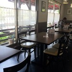 街のフレンチ洋食レストラン ふじゅう  - シックで落ち着いた雰囲気の店内のようでしたよ