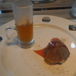 レストラン コンテッラ - ゴマのパルフェと冷たいコンソメ