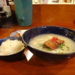 鳥料理 有明 - 軍鶏水炊きらーめん+鶏だし炊込み御飯+フレンチ地卵のゆで玉子