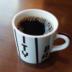 53585888 - エッグベネディクト(1200円・外税)のコーヒー