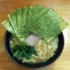 巓 - 料理写真:ラーメン700円麺硬め。海苔増し100円。