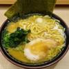 逗子家 - 料理写真:醤油ラーメン 680円
