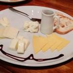 Shisui deux - 5種類チーズの盛合せ 1,280円