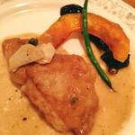 カスタネット - お肉料理コースで選んだ鶏肉のアンチョビソース