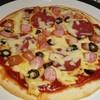ザ バー ナインティーンス ジュウキュウバン - 料理写真:「ソーセージMIX・クリスピーピザ」
