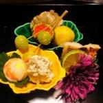 山茶花 - 八寸 今月のテーマは菊だそうです