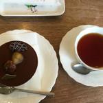 ロマラン洋菓子店 番町本店 - セットのドリンクは300円