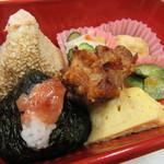 おむすび家 とんじき - 王子弁当 550円