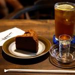 うてな喫茶店 - アイスレモンティーとチョコレートケーキです。