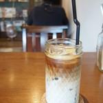 トワモワカフェ - アイスカフェラテのグラスが好きすぎる!!